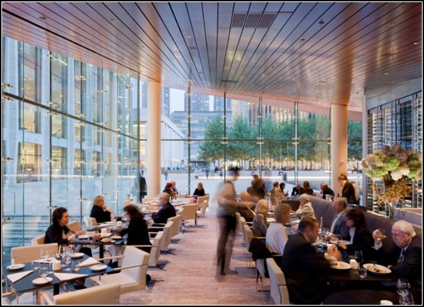 Ресторан-лужайка для богемы Нью-Йорка