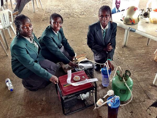 Сходи в туалет! Дешевый вид энергии от африканских школьниц