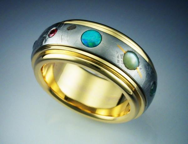 Кольцо с осколками метеорита