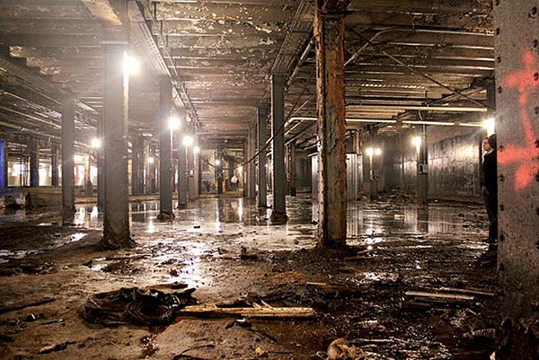 Подземный парк Low Line в заброшенном вокзале в Нью-Йорке