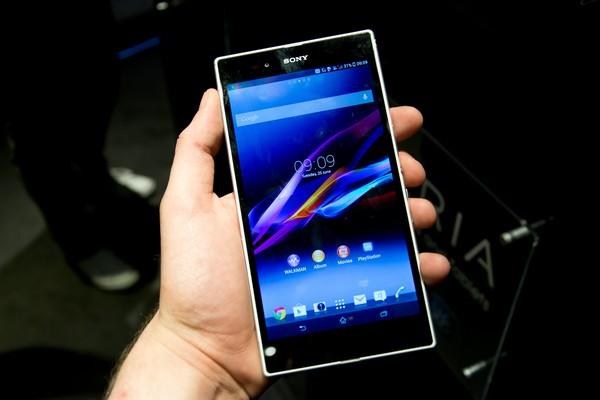 Sony Xperia Z Ultra – телефон размером с книгу