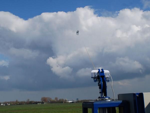 Воздушный змей в помощь энергетике перспективная технология от голландских ученых . Сверхупругая гофрированная оболочка