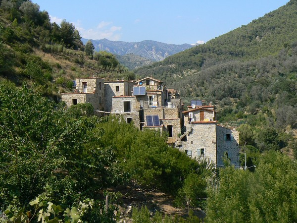 Torri Superiore – эко-деревня на севере Италии