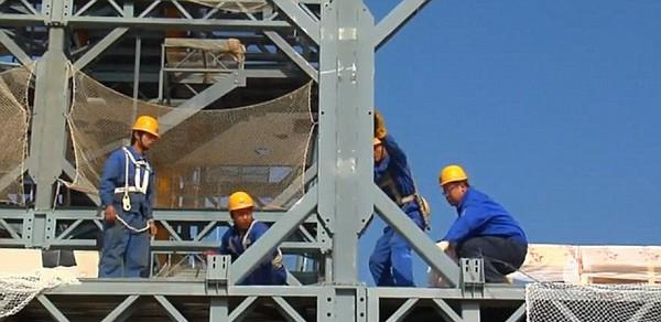 Китайцы построили тридцати этажную гостиницу за 350 часов