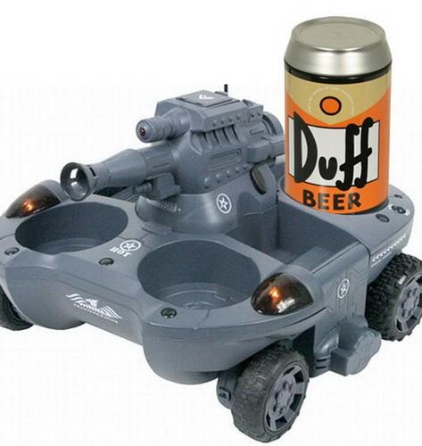 Игрушечный танк для любителей пива