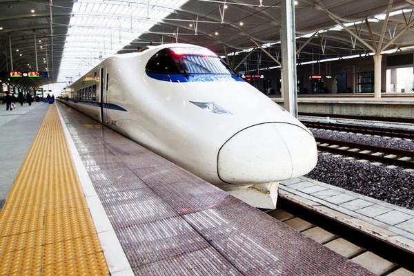 Пекин-Гуанчжоу – рекордно длинная скоростная железная дорога