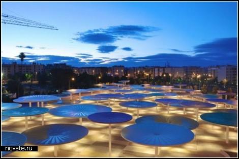 Разноцветные зонтики – новый общественный центр в Кордобе