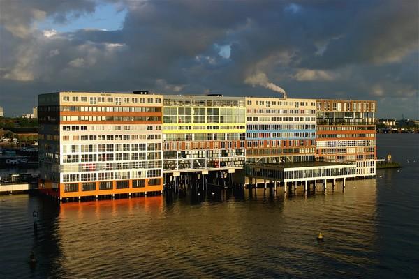 Silodam – десятиэтажный жилой дом в Амстердаме