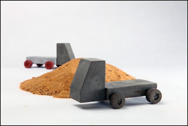 Цементные игрушки для излишне активных детей