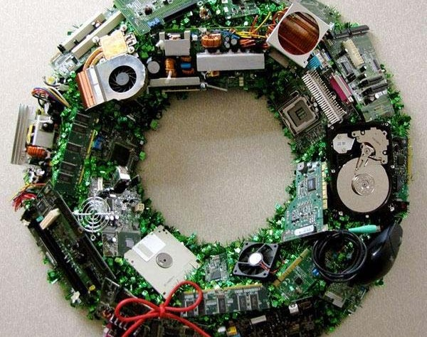 Рождественский венок для компьютерных гиков