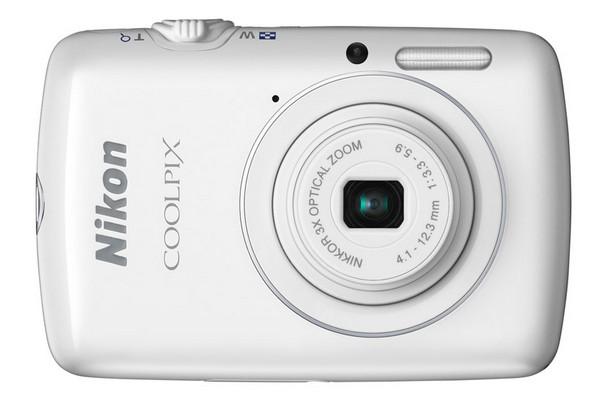 Coolpix S01 — самый маленький фотоаппарат от Nikon