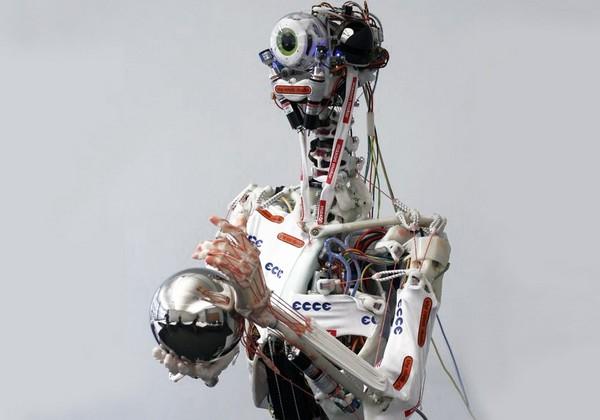 Робот ECCEROBOT с человеческой мимикой, мускулатурой и рефлексами