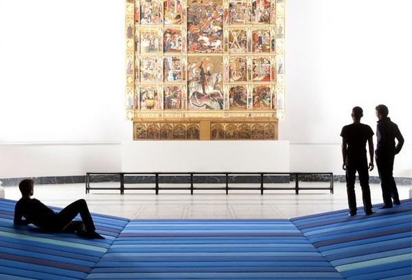 Инсталляция Textile Field в Музее Виктории и Альберта в Лондоне
