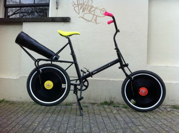 Велосипед-граммофон Feats-per-minute-1