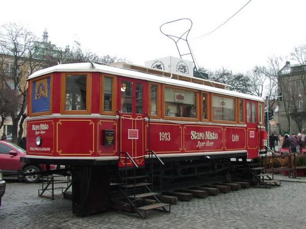 Стационарный трамвай-кафе «Старый Трамвай» во Львове, Украина
