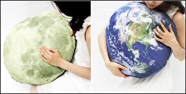 Напольная подушка-Луна Full Moon Odyssey