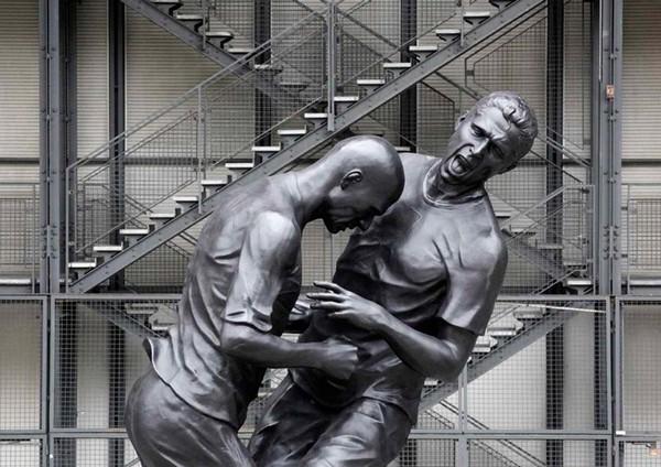 Рассерженный Зидан в скульптуре от Адела Абдессмеда (Adel Abdessemed)