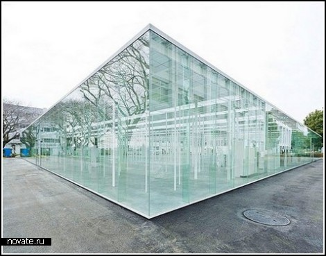 Стеклянный павильон для творческой работы