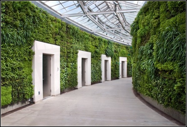 Green wall - an ornament of the Park's administration Longwood Gardens