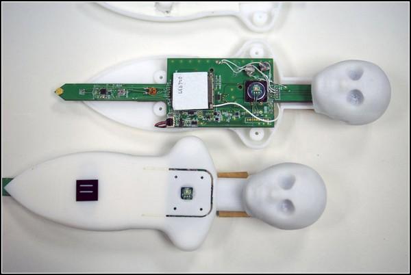 Телефон-гуманоид Telenoid R1 с эффектом человеческого присутствия