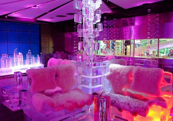 Ледяное кафе в Дубаи