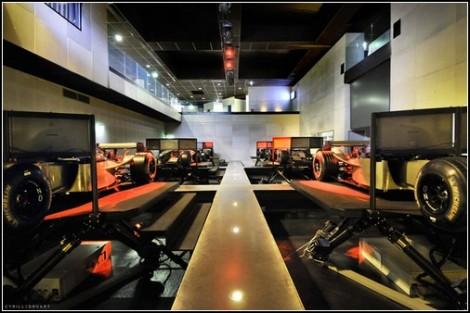Компьютерный клуб I-Way: и виртуальные гонки, и здоровый образ жизни