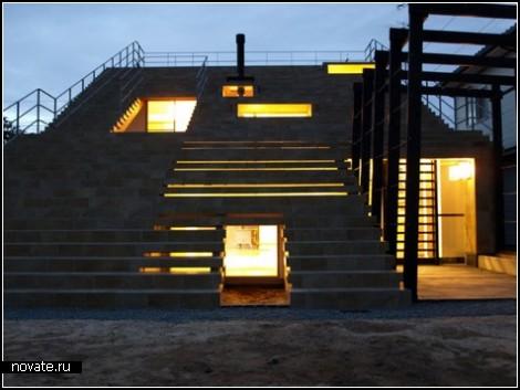 Дом-лестница в Японии
