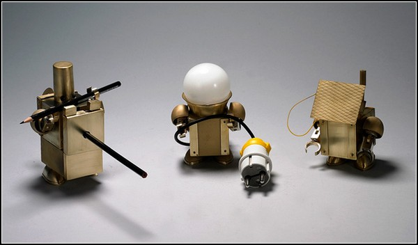 Kinetic Robots – настольные роботы для бытовых нужд