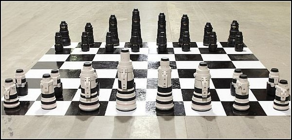 Lensrentals Chess set – шахматная война между Canon и Nikon