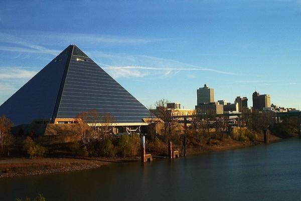 Pyramid Arena – великая американская пирамида в Мемфисе