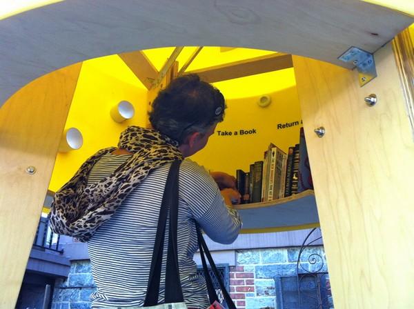 Stereotank – будка-библиотека в Нью-Йорке