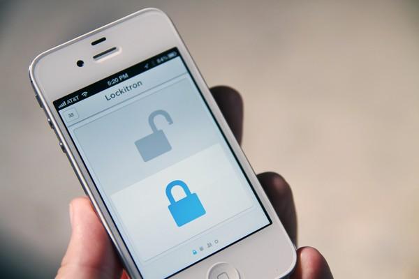 Lockitron: как открыть дверь мобильным телефоном