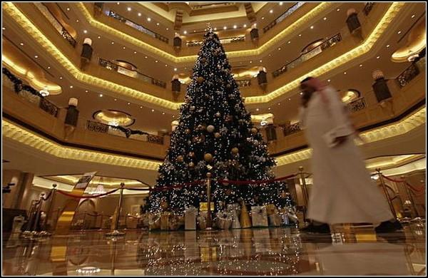 Самая дорогая рождественская елка в мире