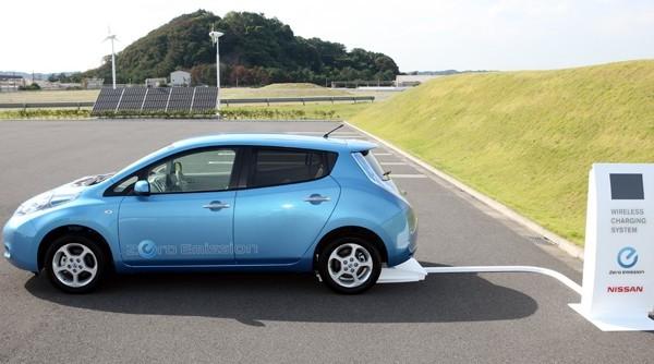 Nissan Leaf будет заряжаться без проводов