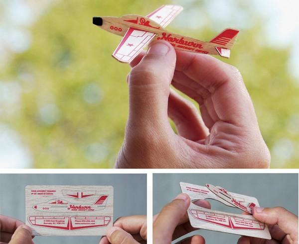 Визитка, которая превращается в самолет