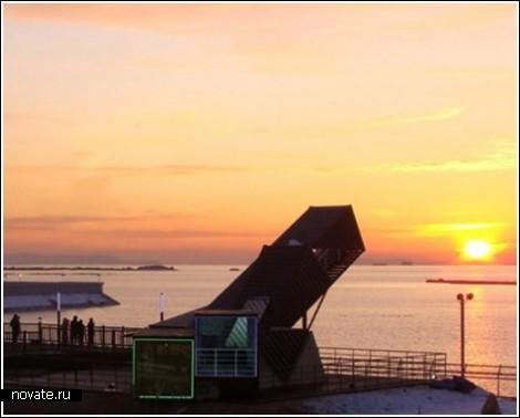 Площадка для наблюдений за солнцем, созданная из грузовых контейнеров