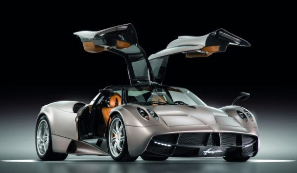 Автомобиль Pagani Huayra