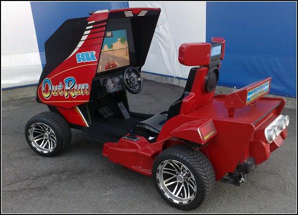 Outrun – электромобиль для восьмибитной езды по дорогам