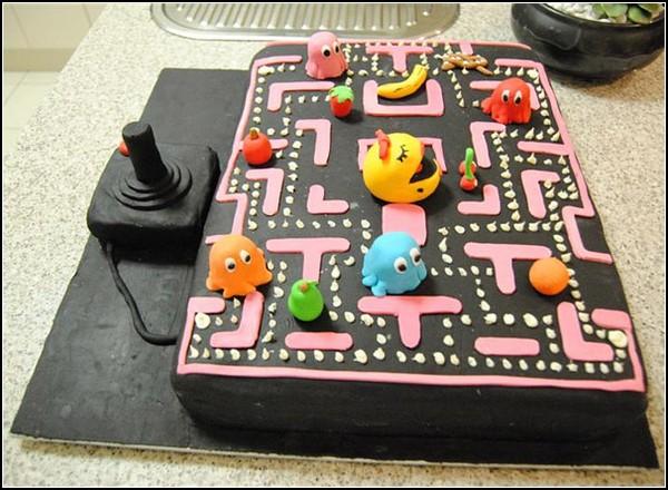 Праздничный торт в стиле Pac-Man