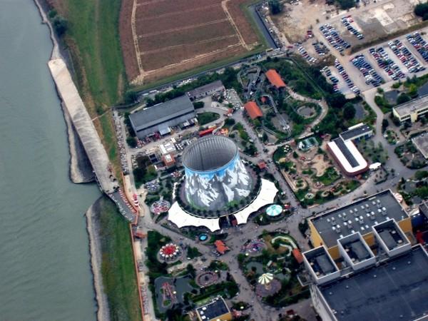 Wunderland Kalkar: из атомной станции в парк развлечений