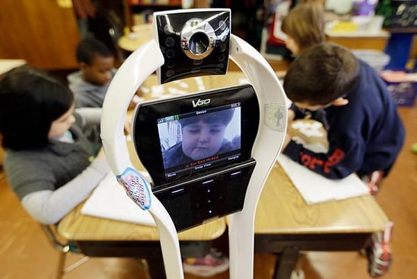 VGo — робот, который ходит в гости вместо своего хозяина