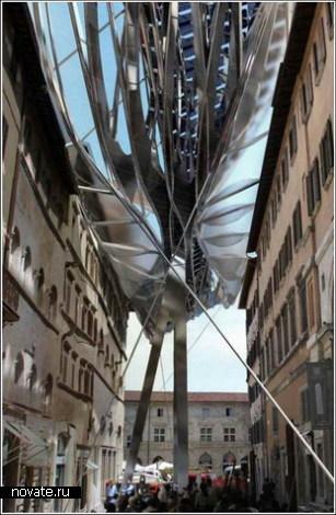 Энергетическая крыша над старинной улицей