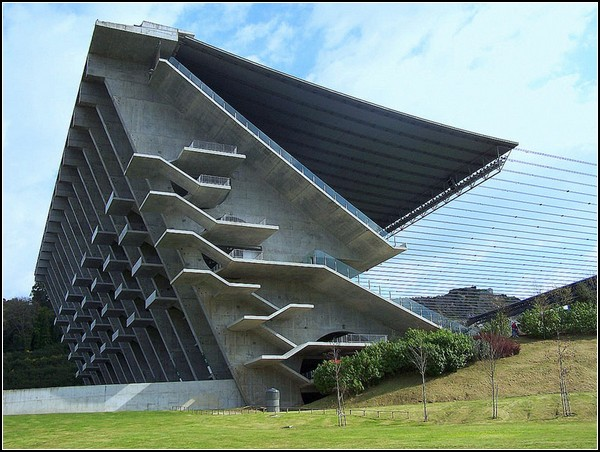 Муниципальный стадион в Браге, Eduardo Souto de Moura