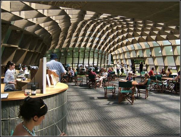 Змеевидный павильон-галерея, Eduardo Souto de Moura
