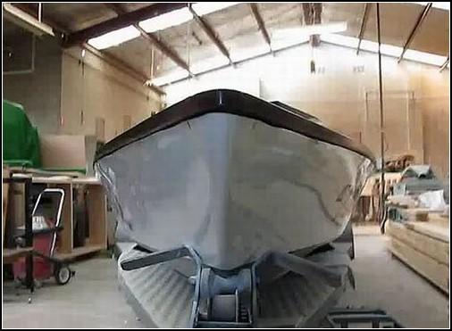 Бильярд для рыбаков, сделанный из лодки