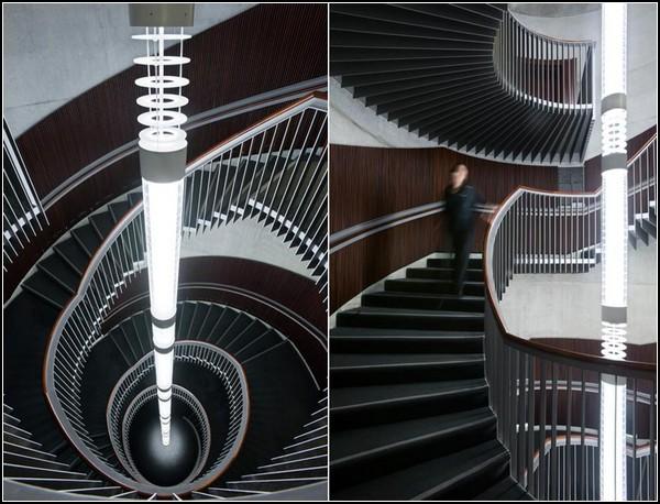 Невероятная люстра для винтовой лестницы театра Usher Hall