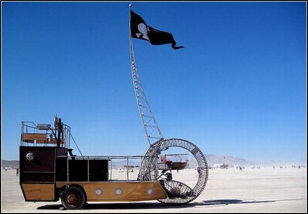 C.S. Tere – стимпанковый пиратский корабль, рассекающий по дорогам