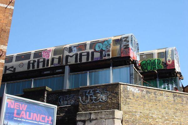 Арт-вагоны метро в Лондоне