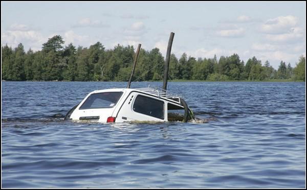 Прикрепили несколько воздуховодов и нырнули в ближайшее озеро.