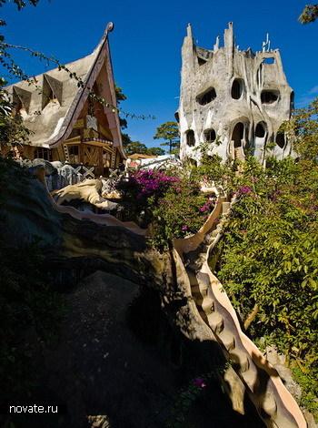 Здания из необычных материалов